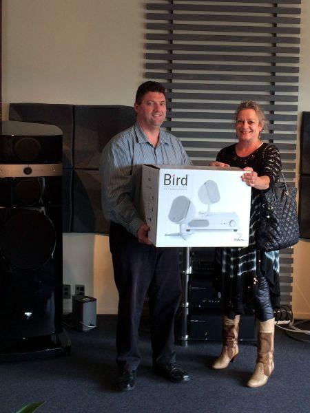 Ronwyn Robertson receives her Focal Bird 2.1 Prize